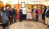 越南驻南非大使馆帮助当地抗击新冠肺炎疫情