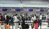 将350名在澳大利亚的越南公民接回国