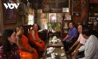 九龙江平原地区各省照顾高棉族同胞欢度报孝节