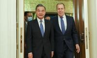 中国与俄罗斯讨论全面战略合作关系