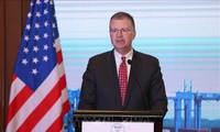 美国驻越大使和法国驻越大使眼中的越南春节