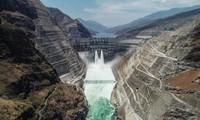世界第二大水电站中国白鹤滩水电站投产发电