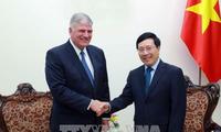 Le président de la Bourse du Samaritain reçu par le vice-Premier ministre Pham Binh Minh
