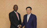 Rencontre entre Vuong Dinh Huê et le directeur de la BM au Vietnam