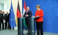 Angela Merkel et Viktor Orban s'opposent sur les «valeurs» de l'Europe