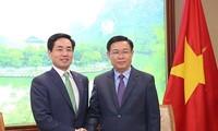 Le PDG de Lotte Card reçu par le vice-Premier ministre Vuong Dinh Huê
