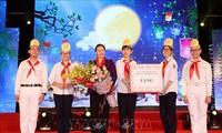 Une joyeuse fête de la mi-automne aux enfants vietnamiens