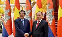 Nguyên Xuân Phuc rencontre Hun Sen