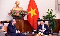 Pham Binh Minh reçoit le président du groupe Vision de l'APEC