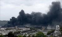Incendie maîtrisé dans une usine chimique en France
