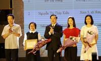 """Remise des prix du concours """"90 ans du Parti communiste vietnamien"""""""