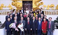 Accueil des délégués du forum populaire Vietnam-Chine