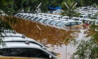 Indonésie: Au moins 23 morts dans les inondations dues aux pluies du Nouvel an