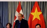 Têt : Le vice-Premier ministre Truong Hoa Binh rencontre des Vietnamiens de Suisse