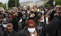 10.000 personnes manifestent contre le racisme à Genève