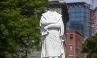 Etats-Unis : Des manifestants font tomber une statue de Christophe Colomb à Baltimore