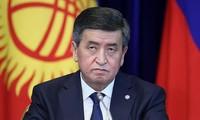 Le président kirghize exclut de démissionner