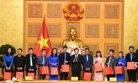 Trinh Dinh Dung rencontre des jeunes ruraux exemplaires