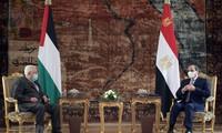 Al-Sissi discute de la cause palestinienne avec les ministres des AE jordanien et palestinien