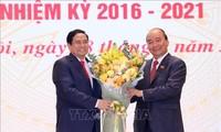 Passation des pouvoirs entre Nguyên Xuân Phuc et Pham Minh Chinh