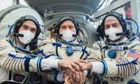 Un Soyouz s'arrime à l'ISS lors d'une mission célébrant Gagarine