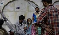 Covid-19 dans le monde: nouveau record de cas en 24 heures, inquiétudes en Inde et au Brésil