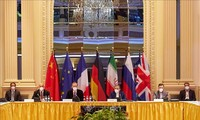 Les négociateurs se retrouvent, pressés d'aboutir avant l'élection iranienne