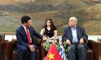 Deputy PM meets Greece's parliamentary leaders