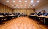 Yemen's warring sides agree to prisoner swap as peace talks open
