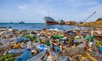 Vietnam works to raise public awareness of plastic waste