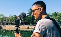 Vietnamese tour guide gives online tours to foreign viewers