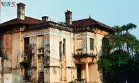 La station de radio Bach Mai, l'un des plus vieux édifices d'architecture française de Hanoi