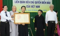 Binh Thuan province receives documents proving Vietnam's maritime sovereignty