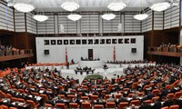 Turkish parliament gives green light to IS combat in Iraq, Syria