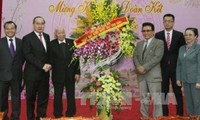 Gatherings welcome overseas Vietnamese returning home for Tet