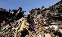 Nepal's quake death toll nears 7,600