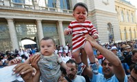 EU founding nations join efforts in resolving refugee crisis