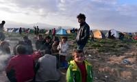 EU pledges 700 million euros to tackle refugee crisis