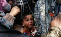 Migrant crisis: UK to take in extra 3,000 child refugees