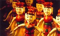 Vietnamese water puppet's design and manipulation