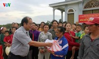 Individuals, organizations nationwide lend helping hands to flood victims
