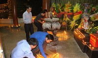 500 pay tribute to fallen youth volunteers at Dong Loc T-junction