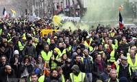 France to deploy troops to maintain security during protests