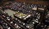 UK parliament passes new bill to avoid no-deal Brexit
