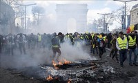 Paris yellow vest protests barred near WWII commemorations