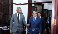Former US President visits Vietnam