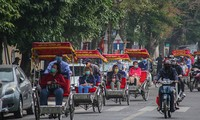 Foreigners support Vietnam's regulation on wearing facemasks amid Covid-19 pandemic