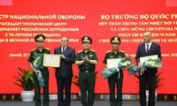 Defense Minister calls for more science-technology cooperation with Russia