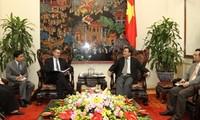 Vizepremierminister Hoang Trung Hai empfängt US-Vizehandelsminister Francisco