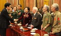 Staatspräsident Truong Tan Sang empfängt ehemalige Soldaten der Eliteneinheit
